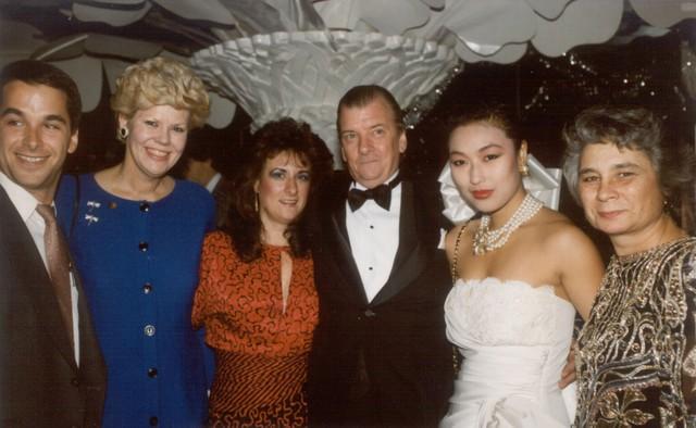 Melinda, Sharon, John, Yong, Amber (1988)